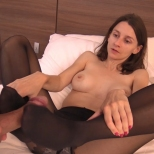 paulinec-footjob.mp4_snapshot_01.37_2019.11.06_23.27.48