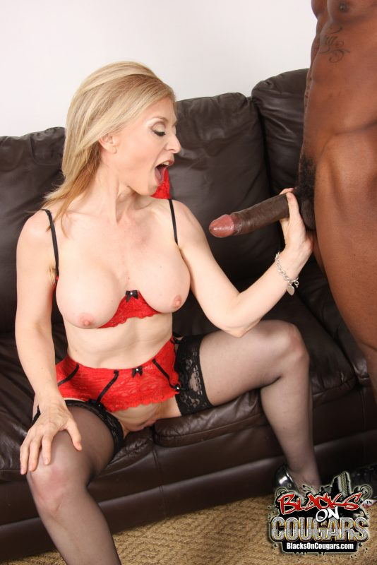 Lesbian milf seduce porn